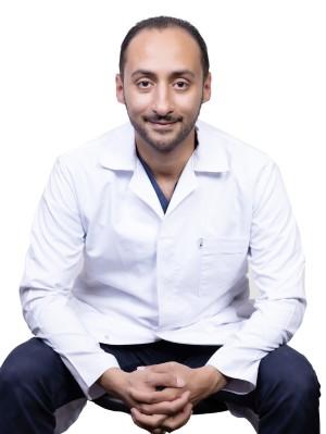 دكتور عمرو ناجي استشاري العظام والمفاصل